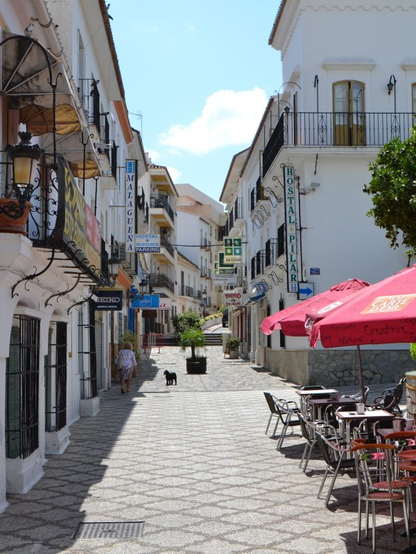 A cafe with outdoor seating in Estepona